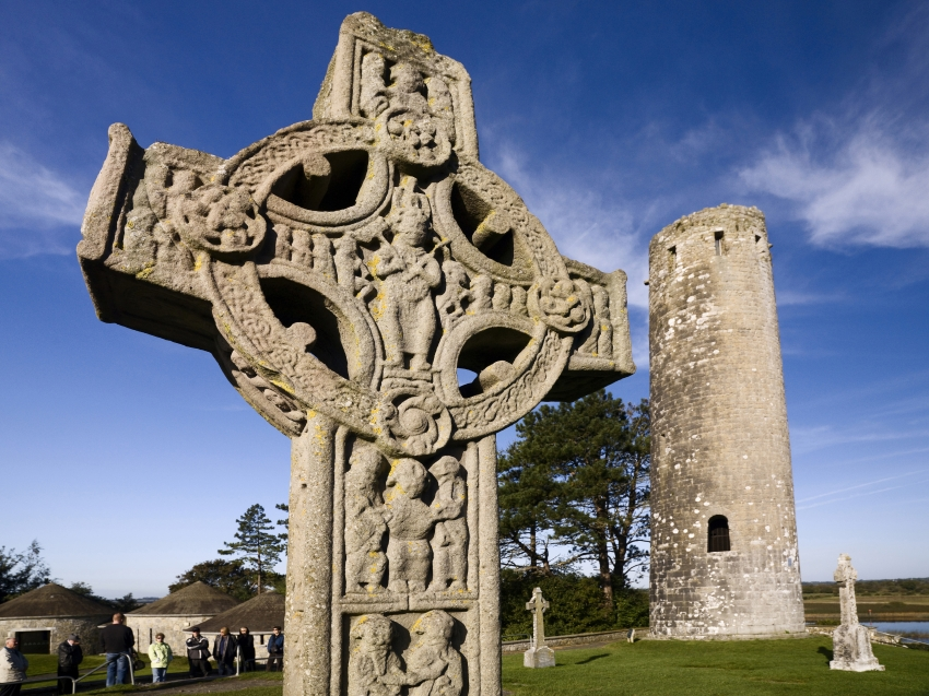 4-Clonmacoise-111-small_ch_061510__005