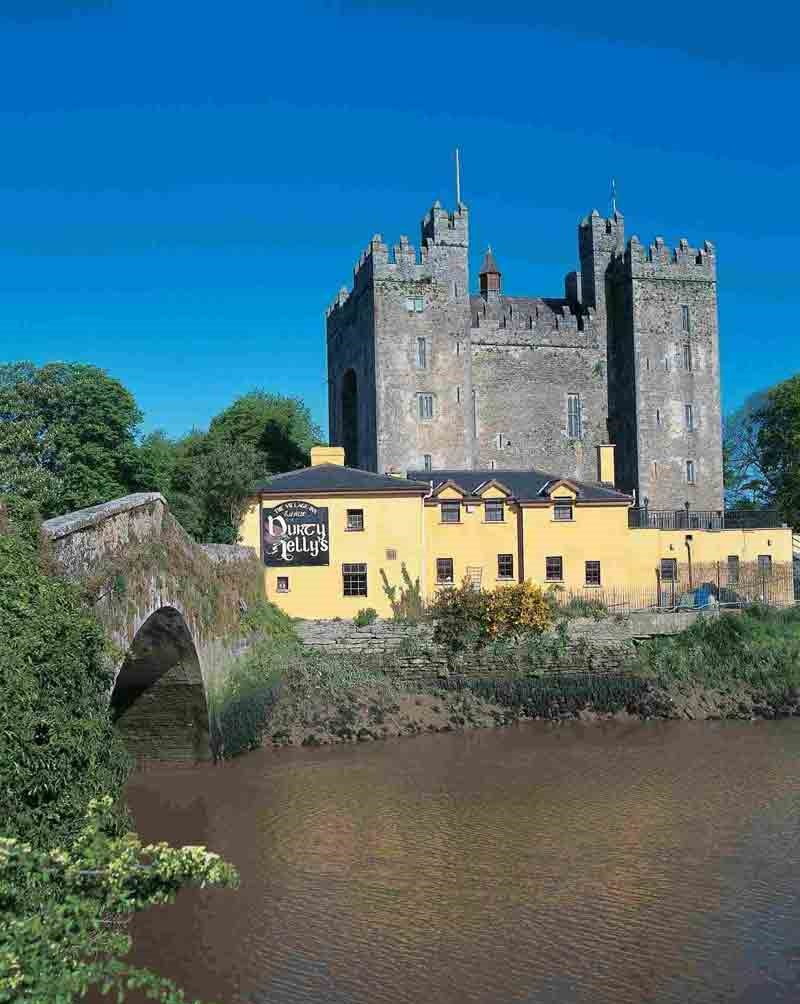 11-Bunratty-Castle-111-medium_CL0208-2